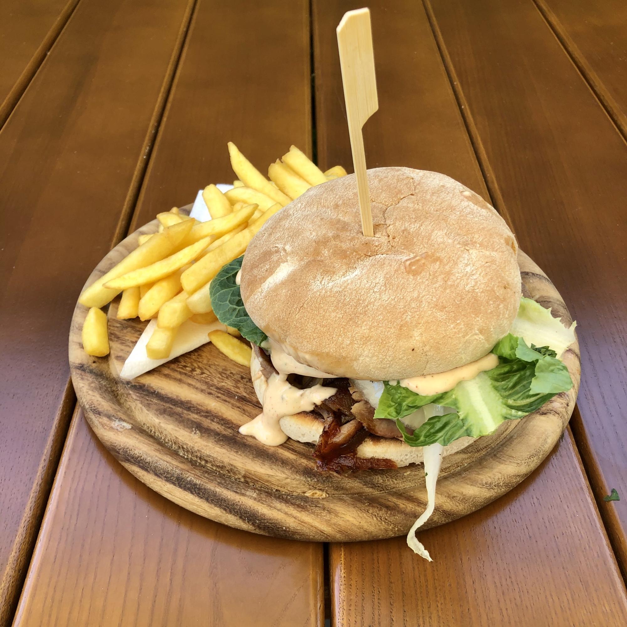 Grieche-Wedel-Taverna-Plaka-Gyros Burger