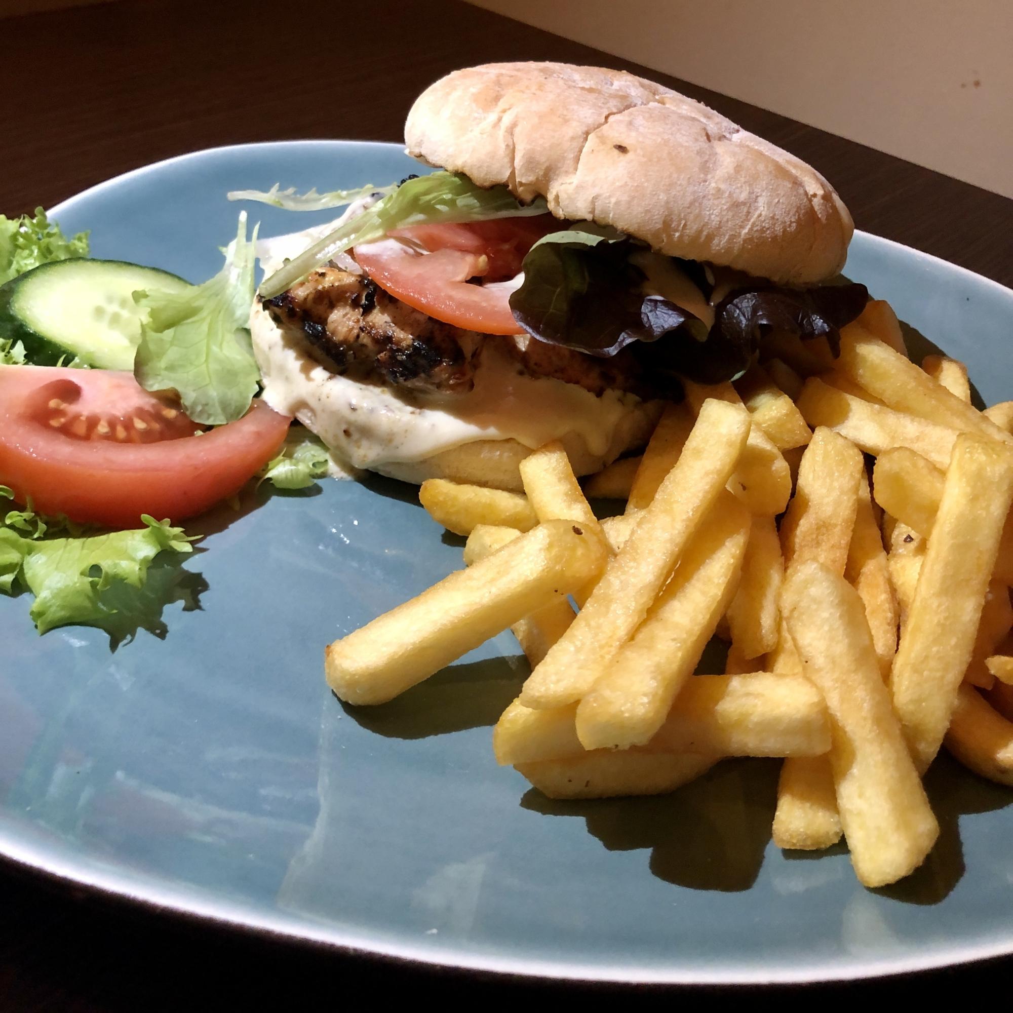 Grieche-Wedel-Taverna-Plaka-Themistoklis-Burger