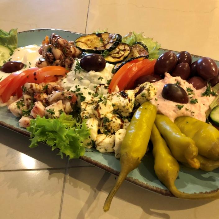 Grieche-Wedel-Taverna-Plaka-Griechische-Antipasti